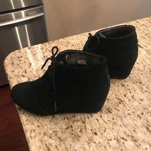 TOMS desert wedge. Excellent condition! Size 6.5